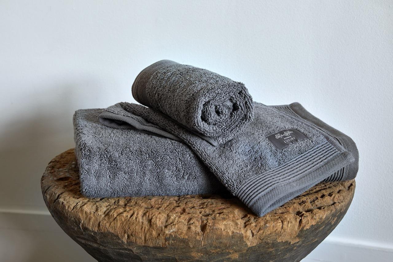 Luxury Stone Grey pyyhesetti