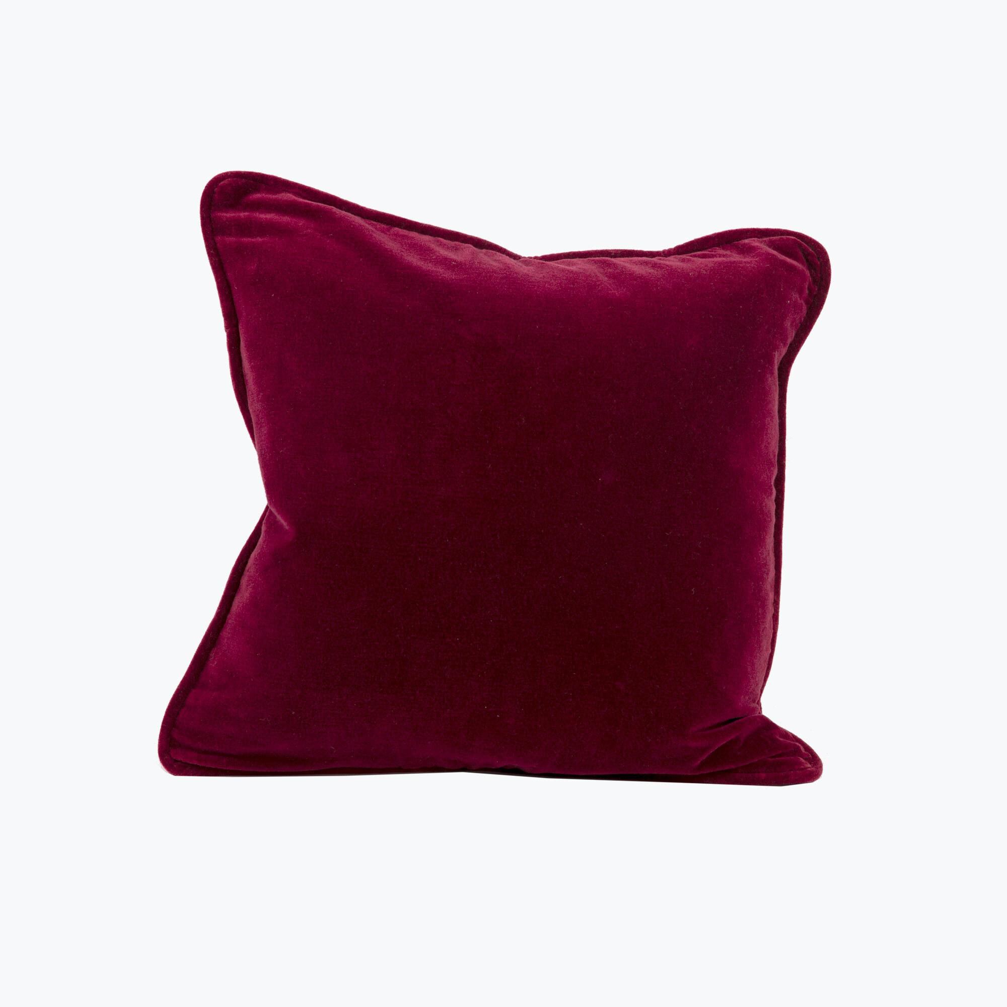 Burgundy Velvet kudde 45x45 cm