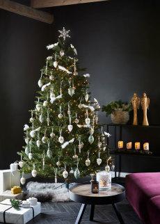 Juletre 215 cm med julepynt og lyslenke