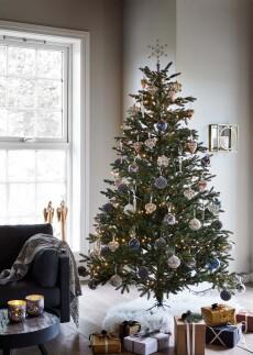 Joulukuusi 215 cm